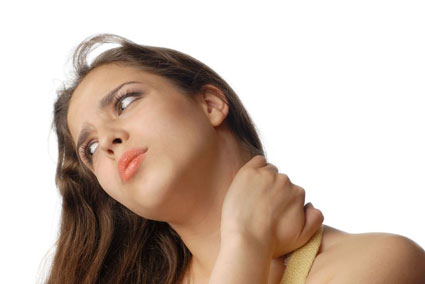 girl with neck spasm
